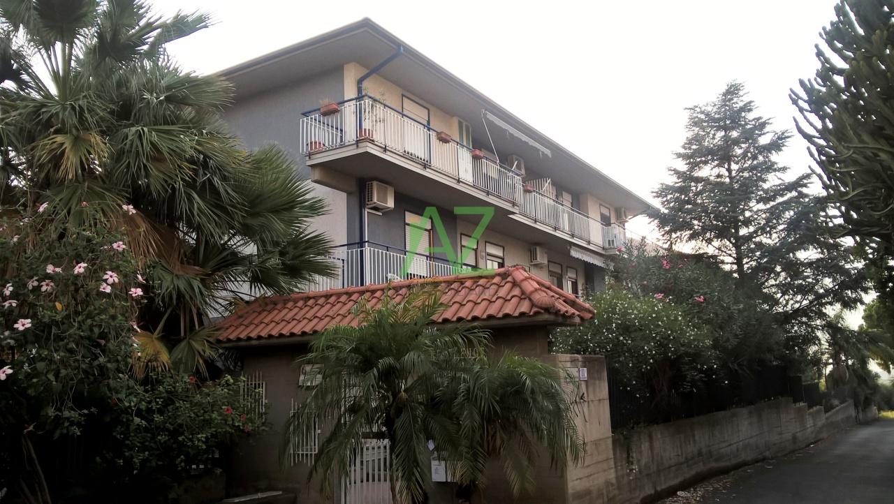 Attico / Mansarda in vendita a Motta Sant'Anastasia, 3 locali, prezzo € 60.000   PortaleAgenzieImmobiliari.it