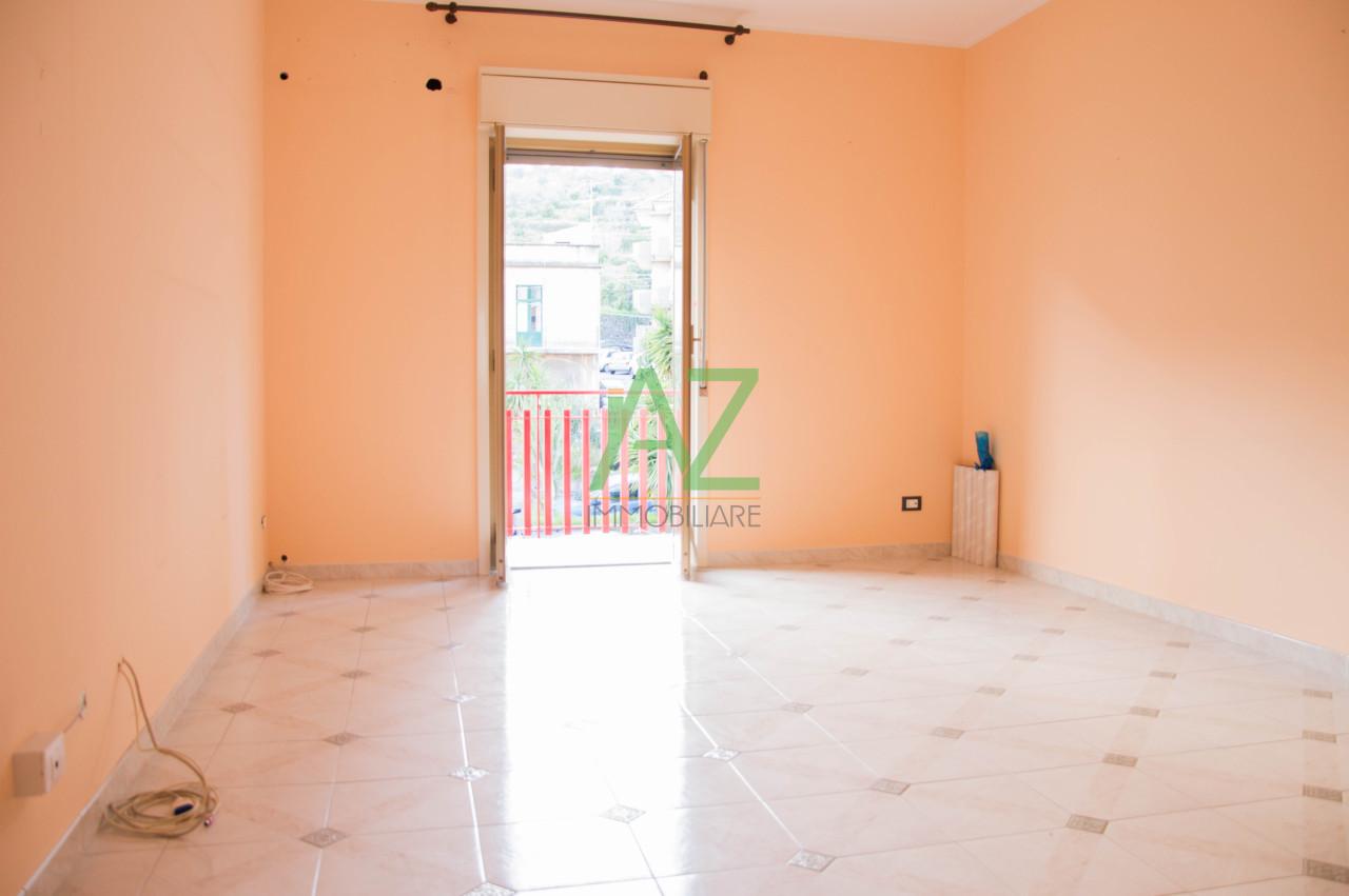 Appartamento - Luminoso a Aci San Filippo, Aci Catena