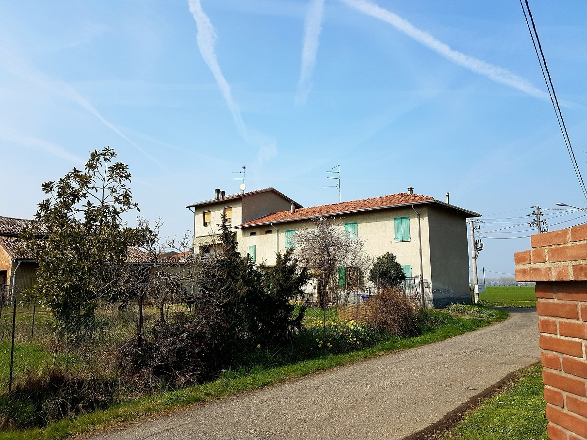 Porzione di casa da ristrutturare in vendita Rif. 12201086