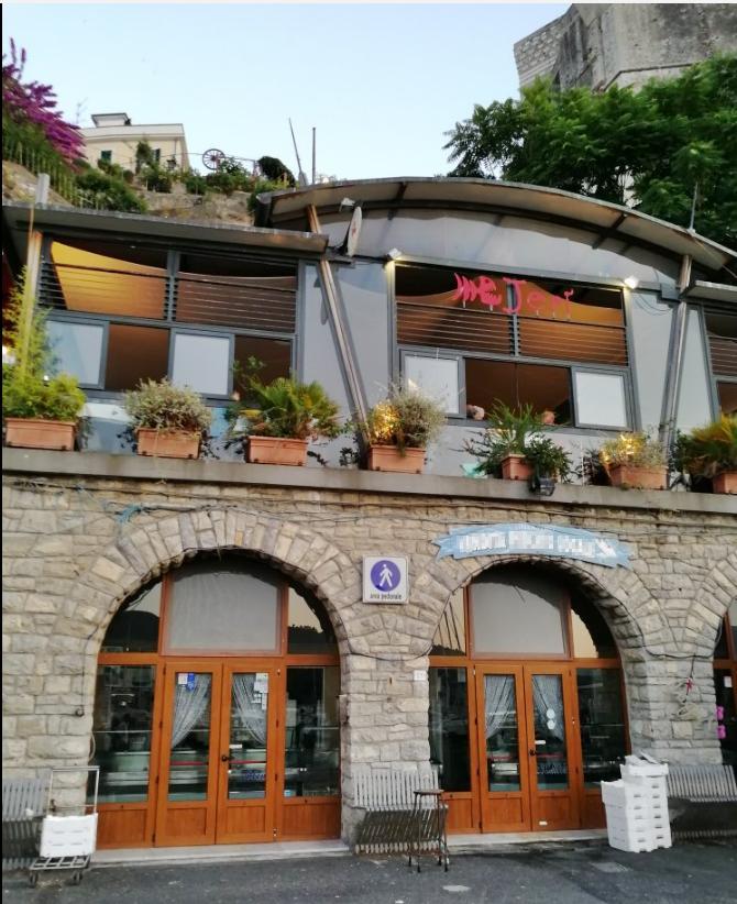 Negozio / Locale in vendita a Lerici, 3 locali, prezzo € 450.000 | PortaleAgenzieImmobiliari.it