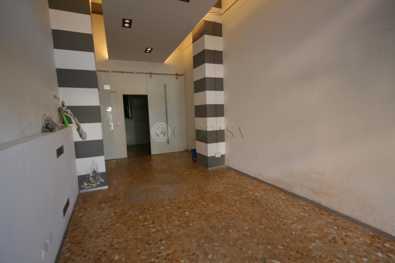 Negozio / Locale in affitto a La Spezia, 2 locali, prezzo € 400 | CambioCasa.it