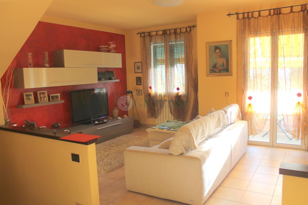 Villa a Schiera in vendita a Bolano, 6 locali, prezzo € 260.000 | CambioCasa.it