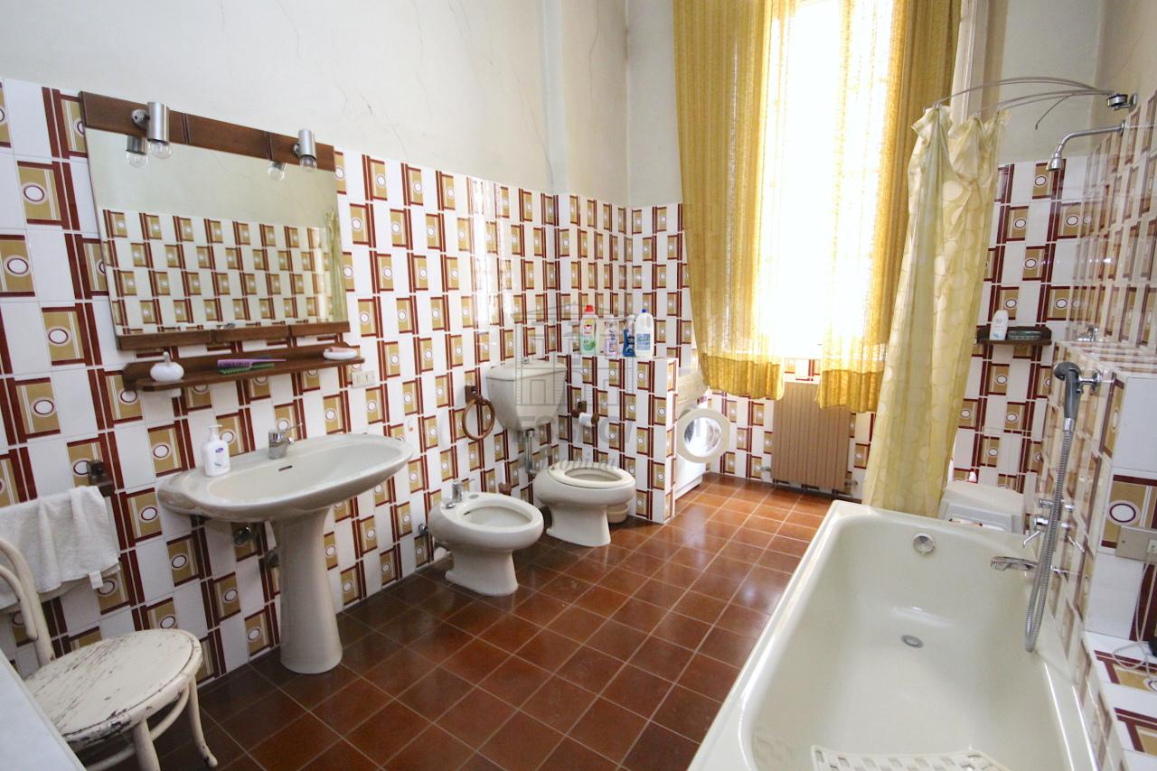 Appartamento Lucca Centro storico IA03446 img 14