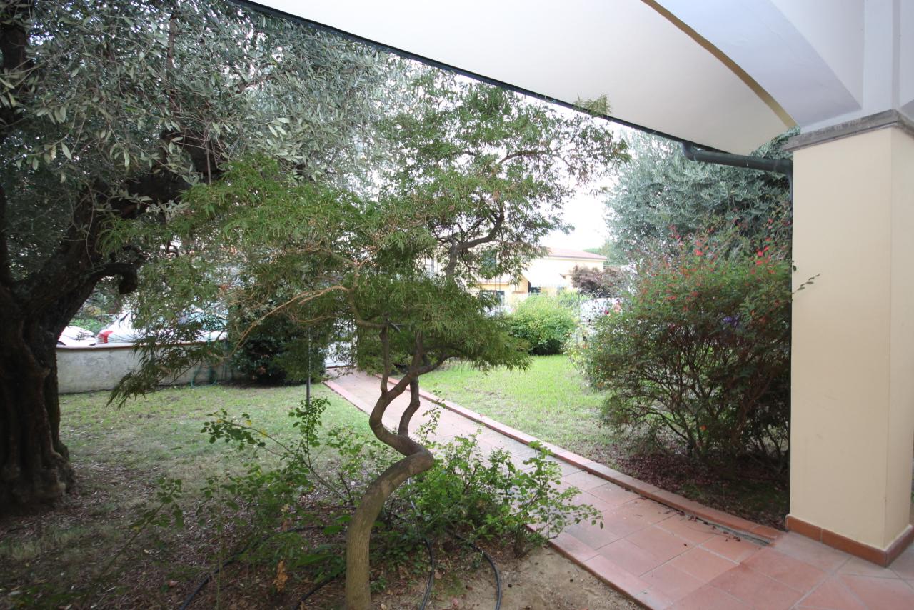 Villa divisa in due unità Lucca S. Cassiano a Vico IA03434 img 4