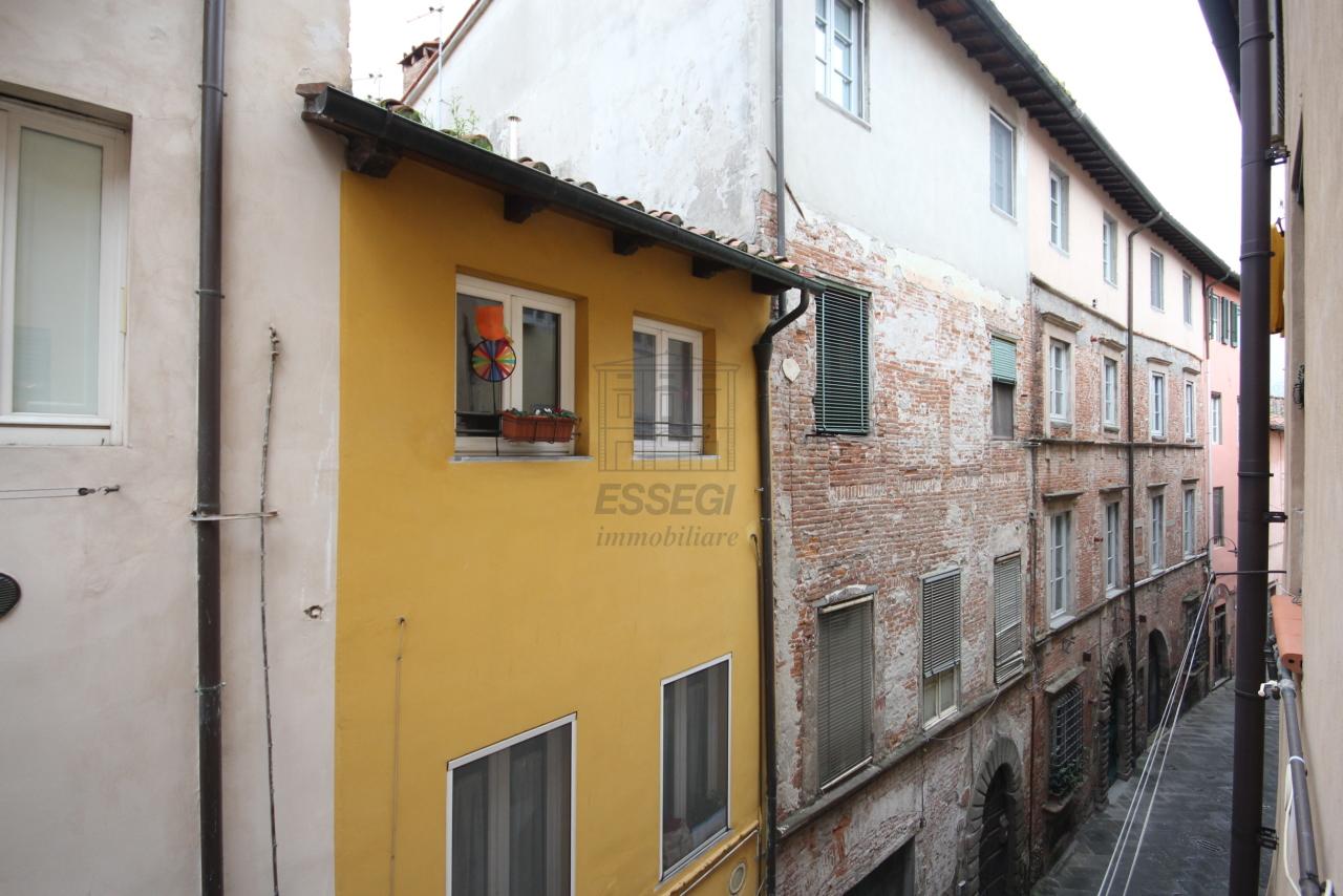 Appartamento Lucca Centro storico IA03407 img 4