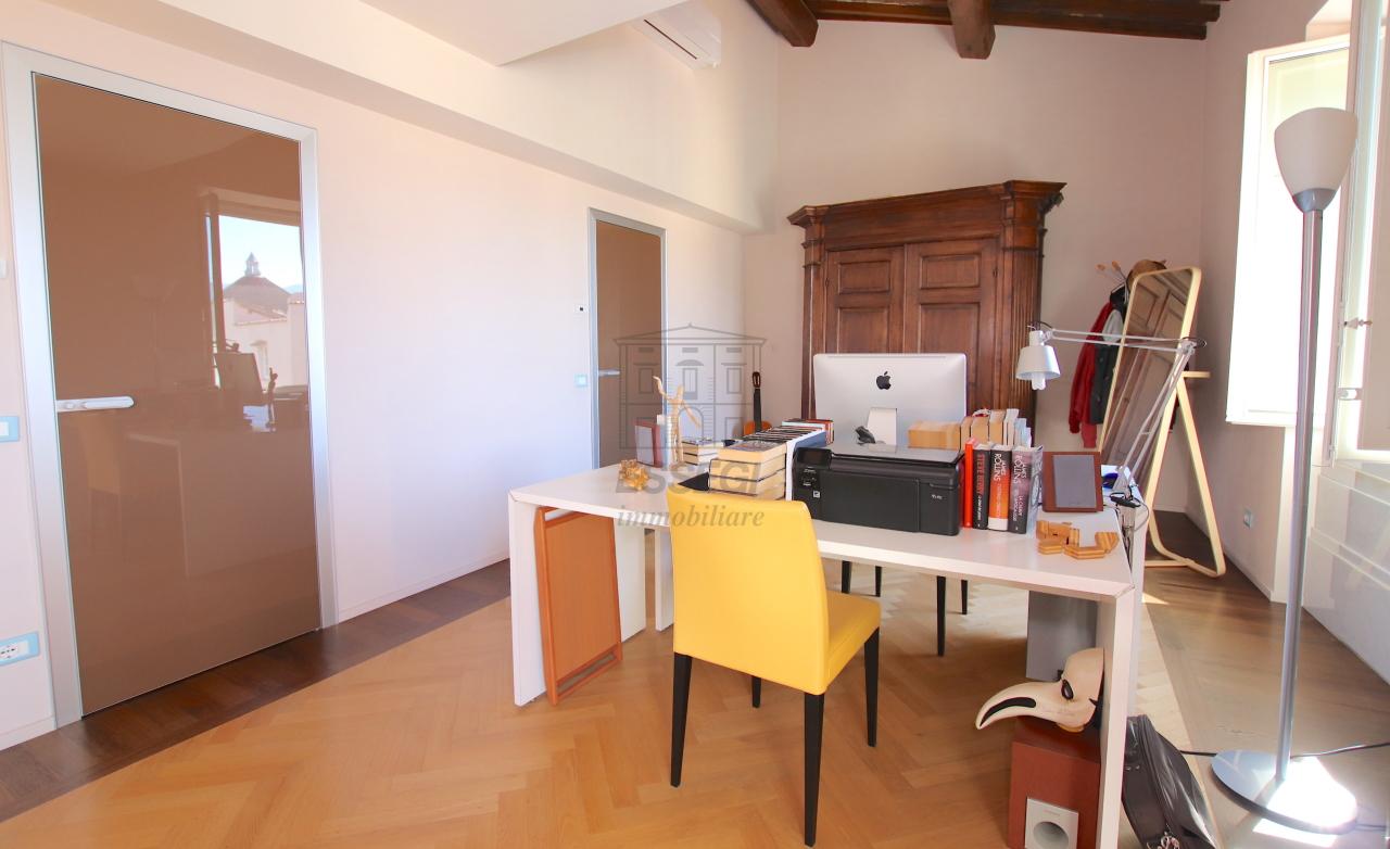 Appartamento Lucca Centro storico IA03502 img 42