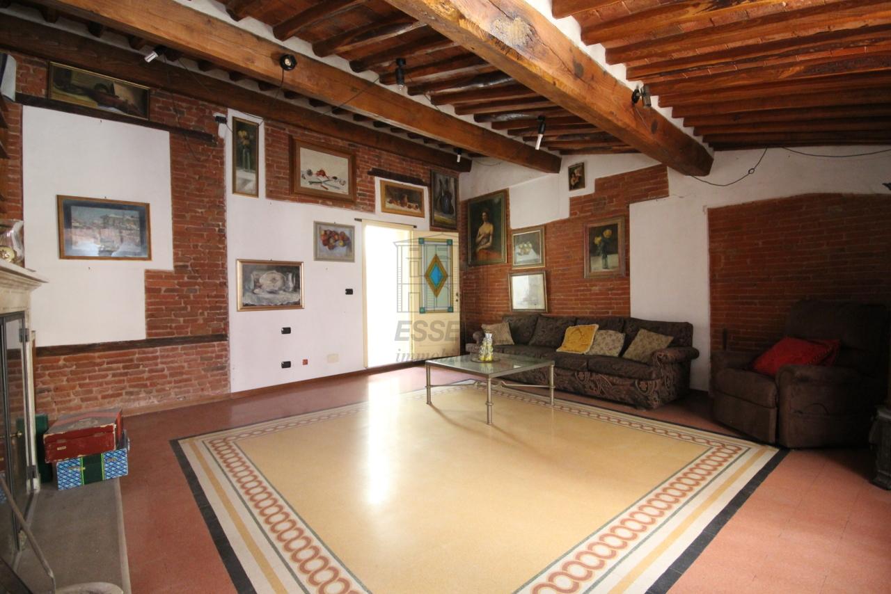 Appartamento Lucca Centro storico IA03358 img 20