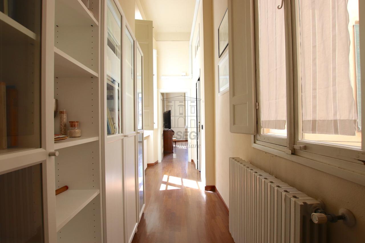 Appartamento Lucca Centro storico IA03526 img 11
