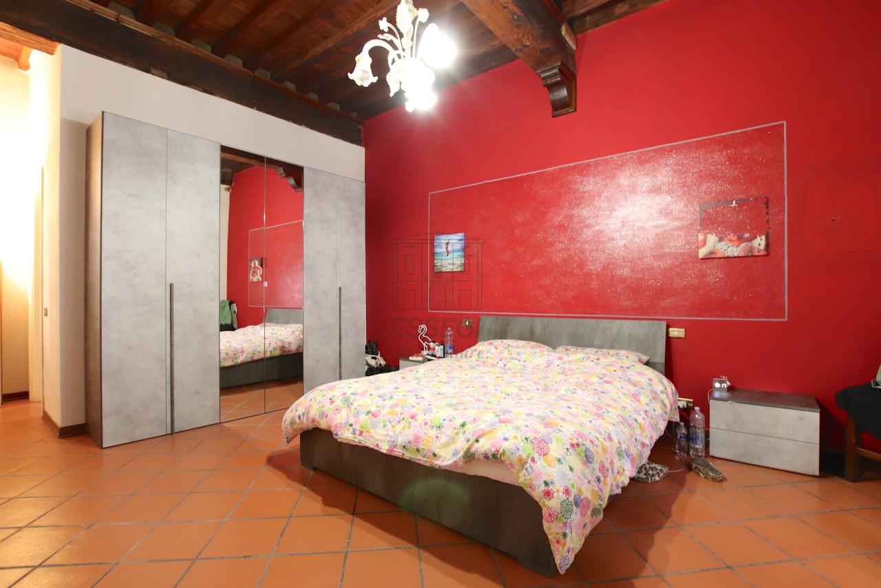 Appartamento Lucca Centro storico IA00362 img 14