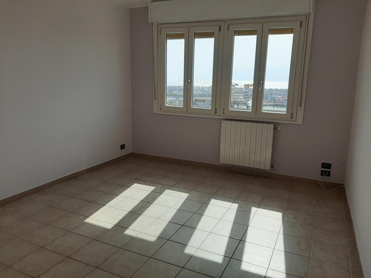 Appartamento in affitto a Reggio Calabria, 3 locali, prezzo € 350 | CambioCasa.it