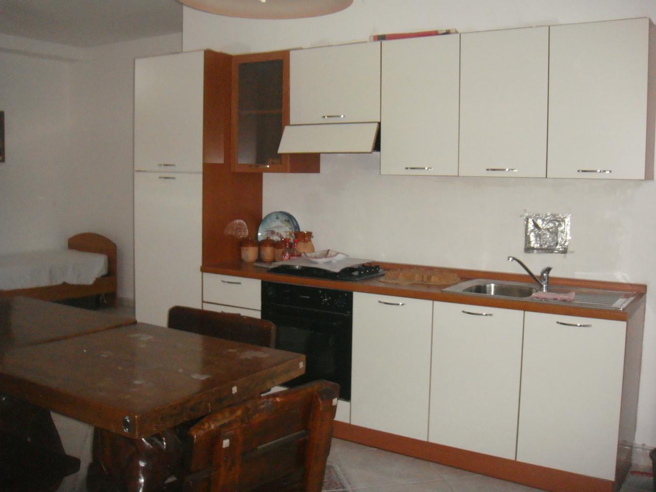 Appartamento in affitto a Condofuri, 3 locali, prezzo € 350   CambioCasa.it