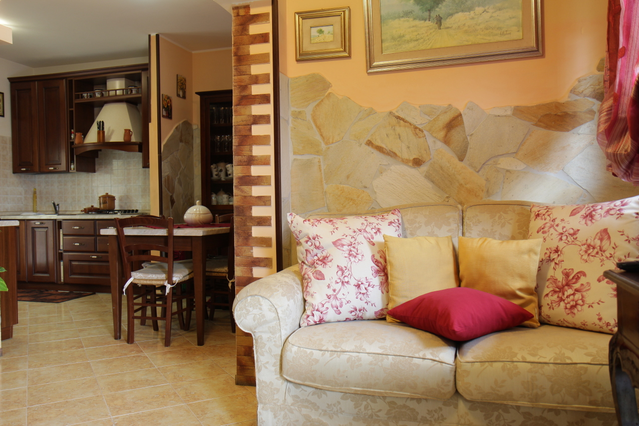 Villetta a schiera in ottime condizioni in vendita Rif. 7989085