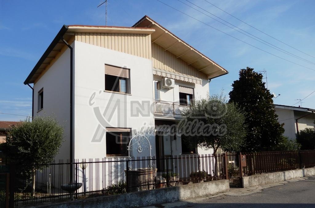 Casa Indipendente da ristrutturare in vendita Rif. 8335648