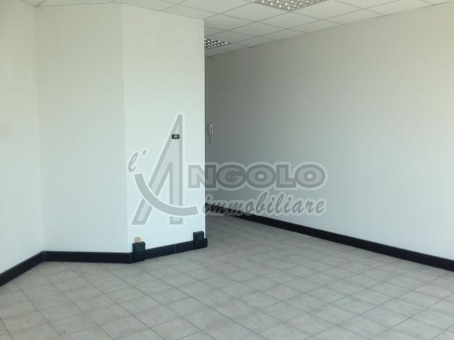 Ufficio / Studio in affitto a Occhiobello, 2 locali, prezzo € 320   CambioCasa.it