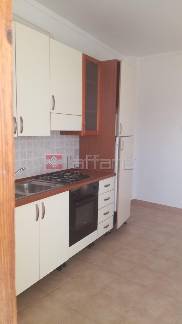 Appartamento in buone condizioni in affitto Rif. 6237764