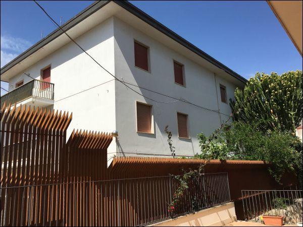 Altro in vendita a Pozzallo, 9999 locali, prezzo € 650.000   PortaleAgenzieImmobiliari.it