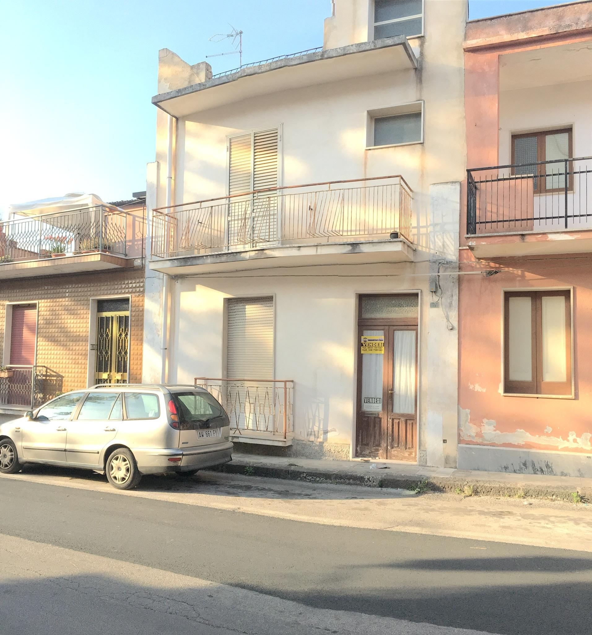 Codice ia168ca appartamento vendita a canicattini bagni for Vendita bagni on line