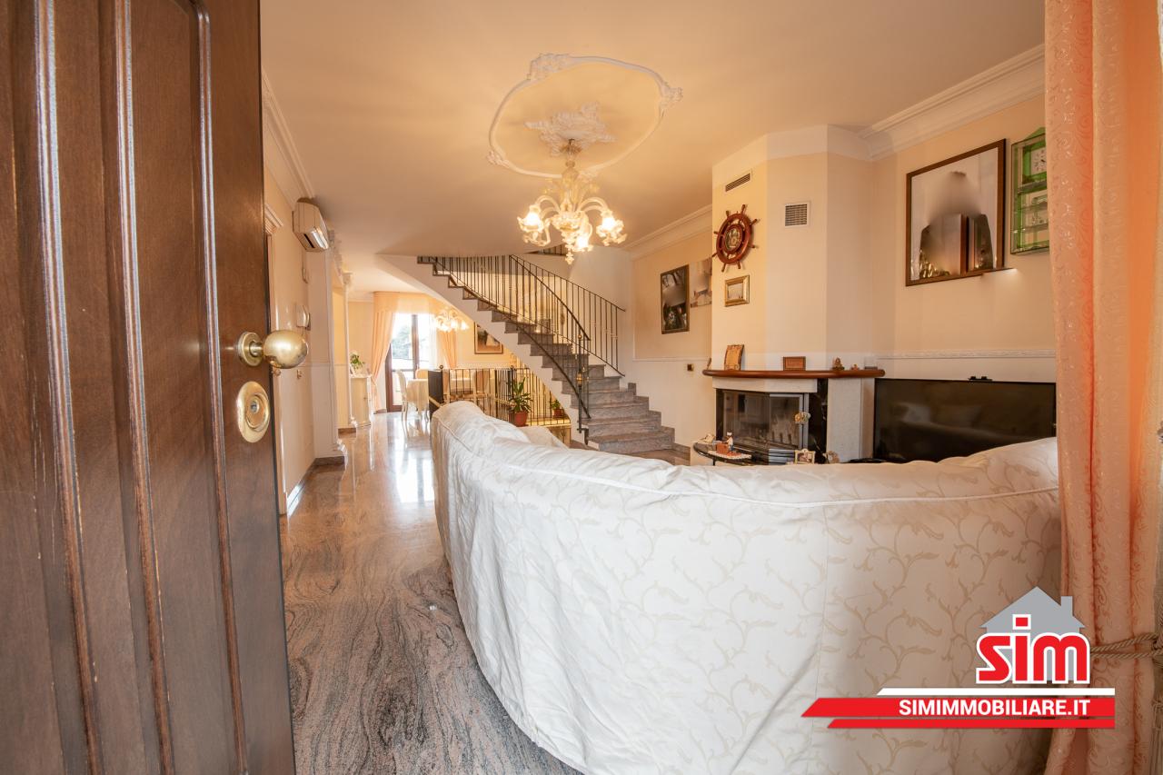 Villa in vendita a Garbagna Novarese, 6 locali, prezzo € 370.000 | PortaleAgenzieImmobiliari.it