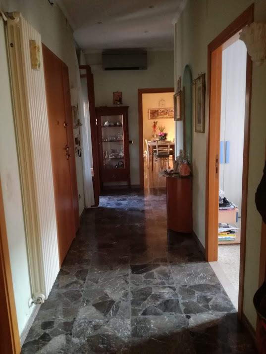 Appartamento in buone condizioni in vendita Rif. 8266552