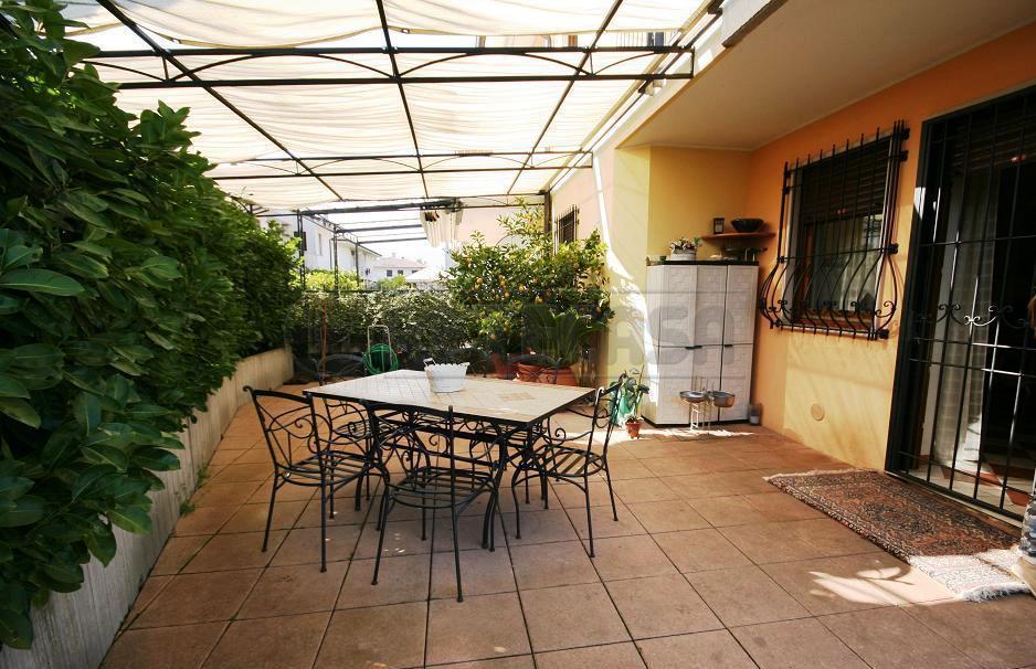 Porzione di casa in ottime condizioni in vendita Rif. 11245311
