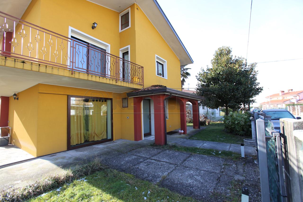 Soluzione Indipendente in vendita a San Canzian d'Isonzo, 8 locali, prezzo € 298.000 | CambioCasa.it