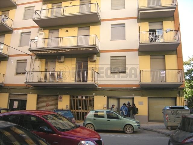 Appartamento in buone condizioni in vendita Rif. 4128277