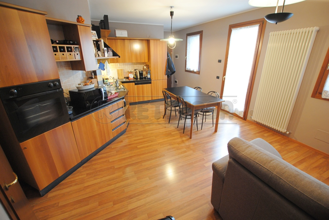 Appartamento in vendita a Cornedo Vicentino, 3 locali, prezzo € 88.000   PortaleAgenzieImmobiliari.it