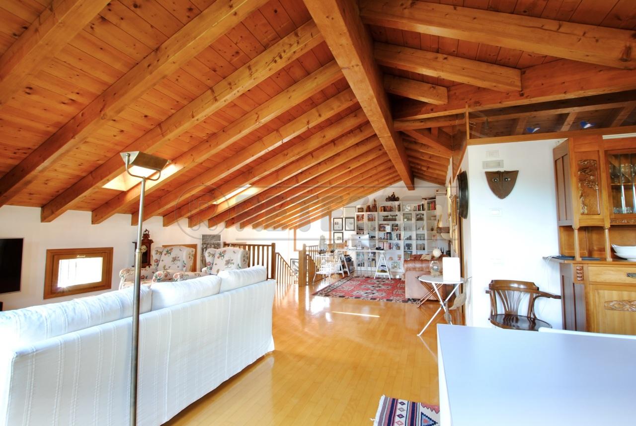 Appartamento in vendita a Cornedo Vicentino, 6 locali, prezzo € 225.000   PortaleAgenzieImmobiliari.it