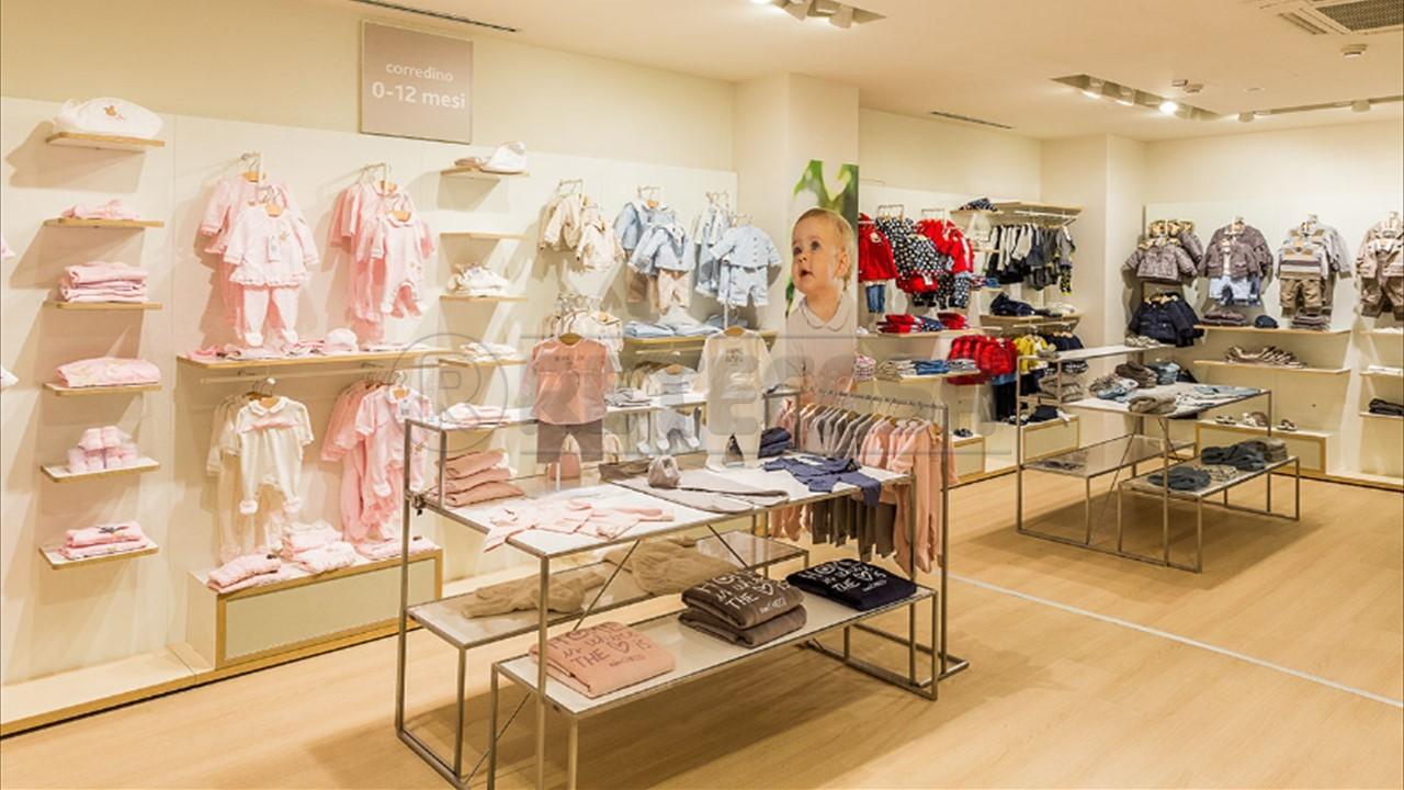 Attività commerciale - Abbigliamento a zone limitrofe, Mantova Rif. 6535879