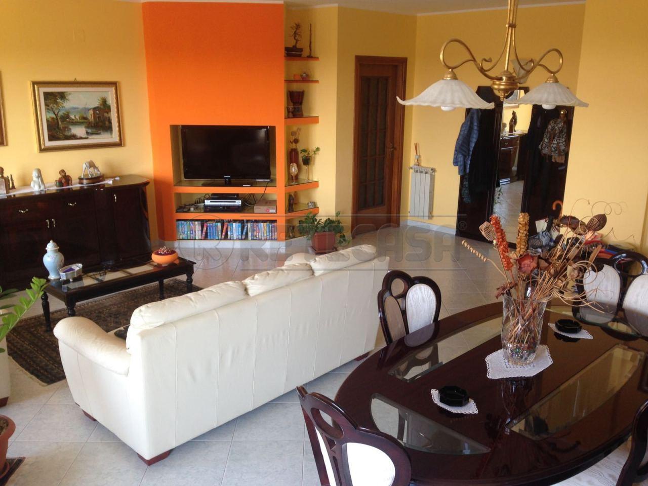 Appartamento in ottime condizioni in vendita Rif. 7651871