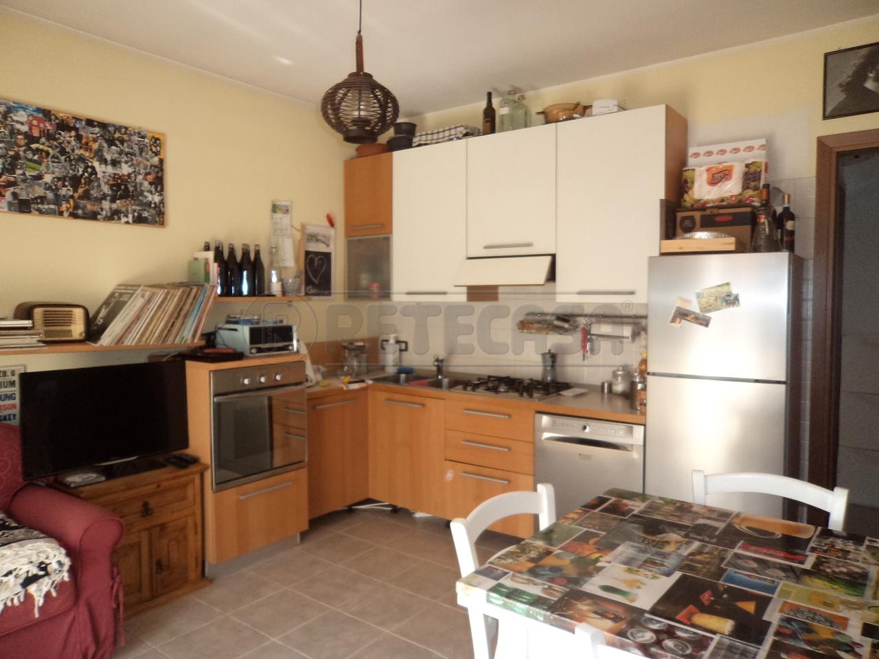 Appartamento in buone condizioni in vendita Rif. 7503502