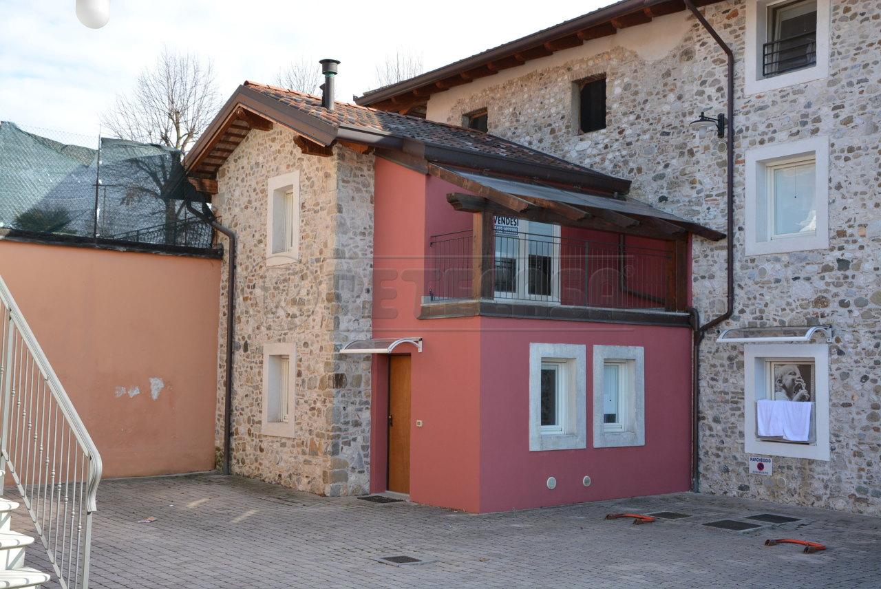 Appartamento in vendita a Martignacco, 5 locali, prezzo € 100.000 | CambioCasa.it
