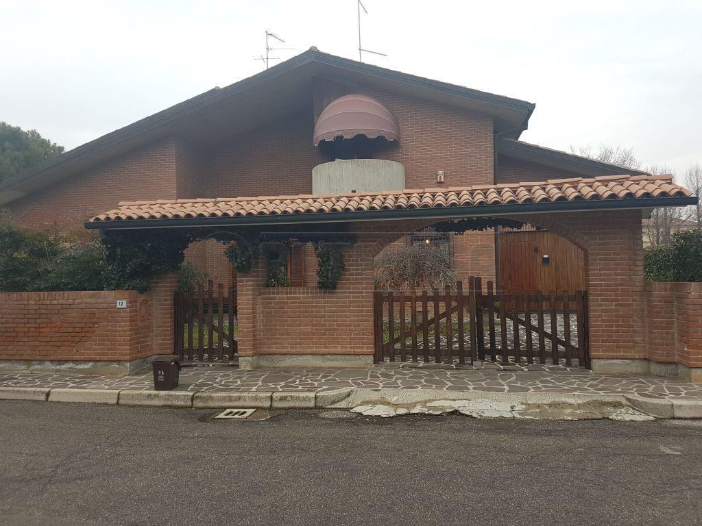 Villetta a schiera in buone condizioni in vendita Rif. 9511002