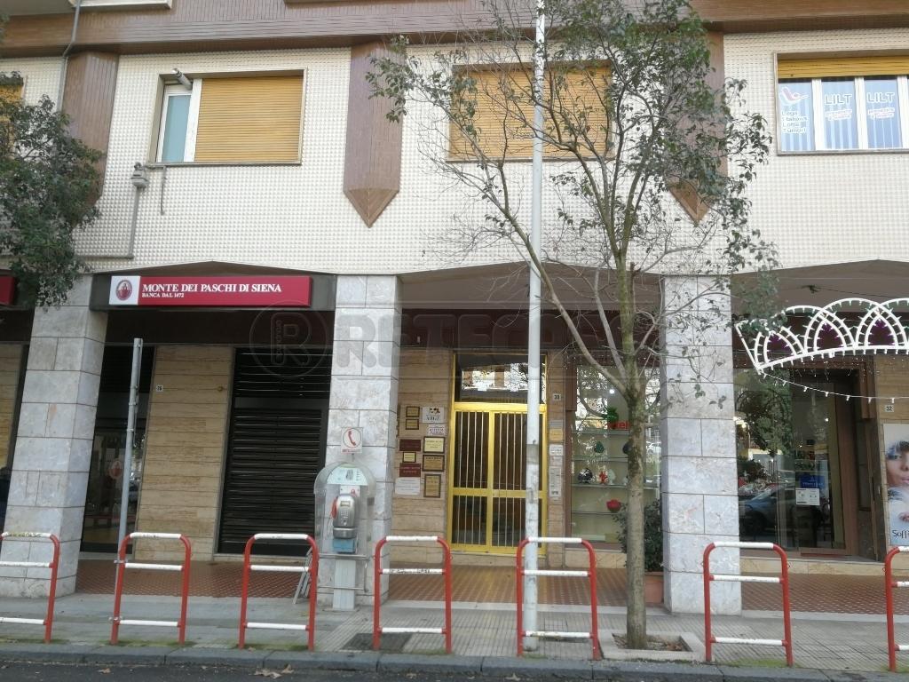 Appartamento in affitto a Caltanissetta, 5 locali, prezzo € 500 | CambioCasa.it