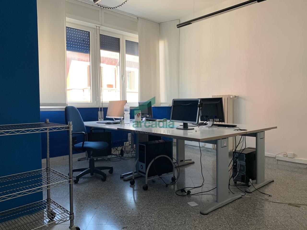 Ufficio - oltre pentalocale a Carrassi, Bari Rif. 10491894