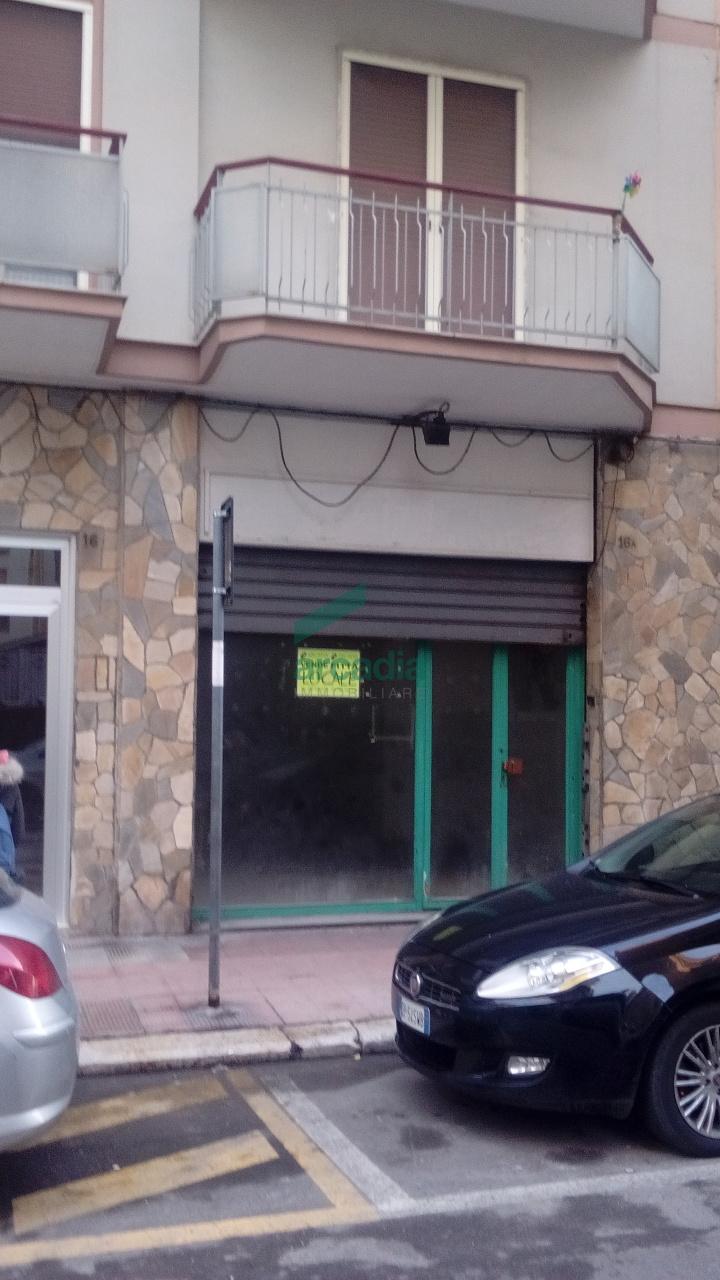 Locale - Commerciale C/1 a Carrassi, Bari Rif. 10491851