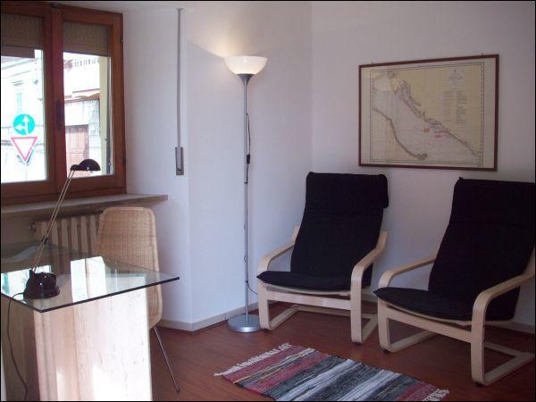 Bilocale in ottime condizioni arredato in affitto Rif. 10063107