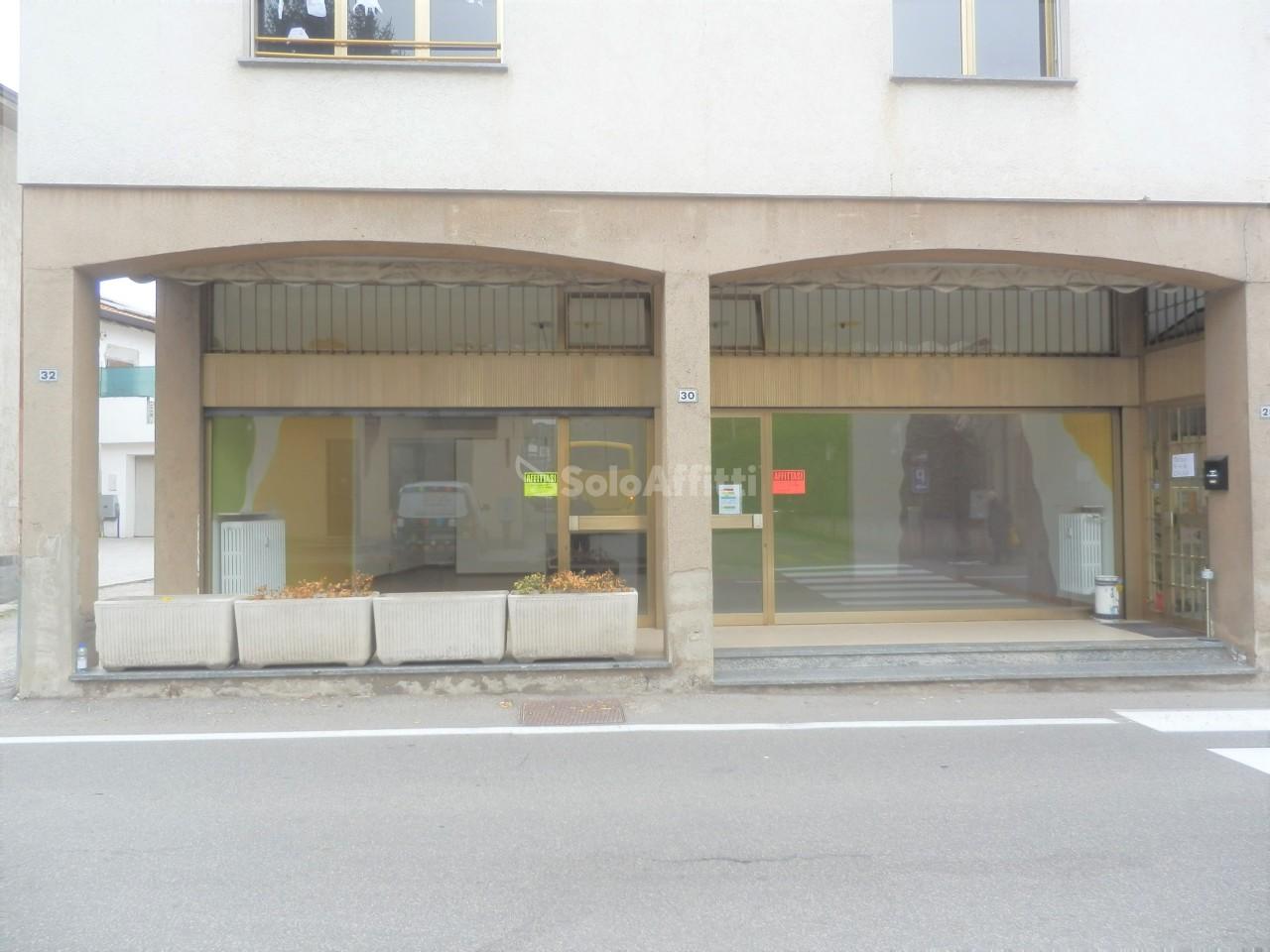 Negozio / Locale in affitto a Faloppio, 1 locali, prezzo € 600 | PortaleAgenzieImmobiliari.it