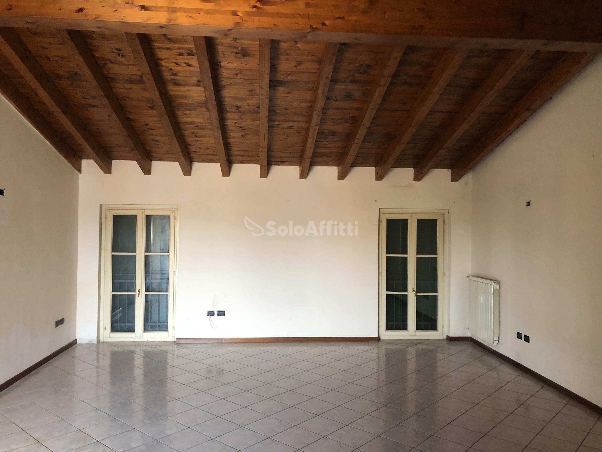 Appartamento Trilocale 6 vani 120 mq.
