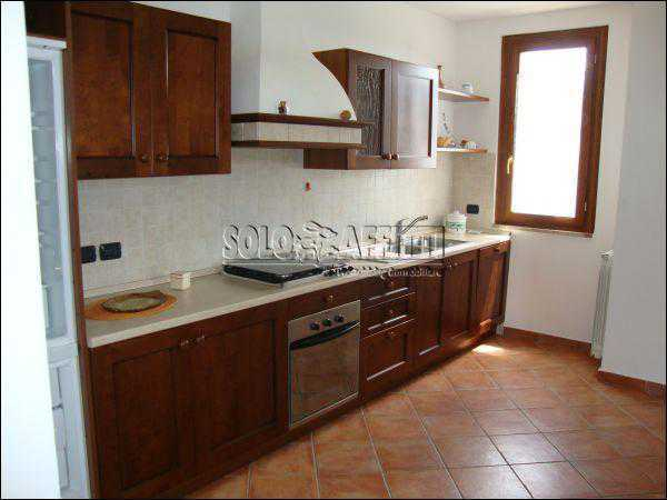 Stanza / posto letto in ottime condizioni arredato in affitto Rif. 7170042