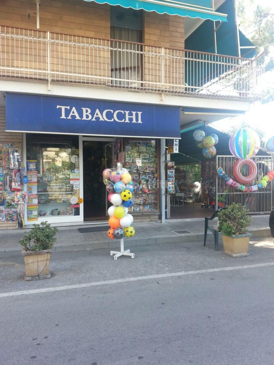 Negozio / Locale in affitto a Lavagna, 2 locali, prezzo € 1.000 | PortaleAgenzieImmobiliari.it