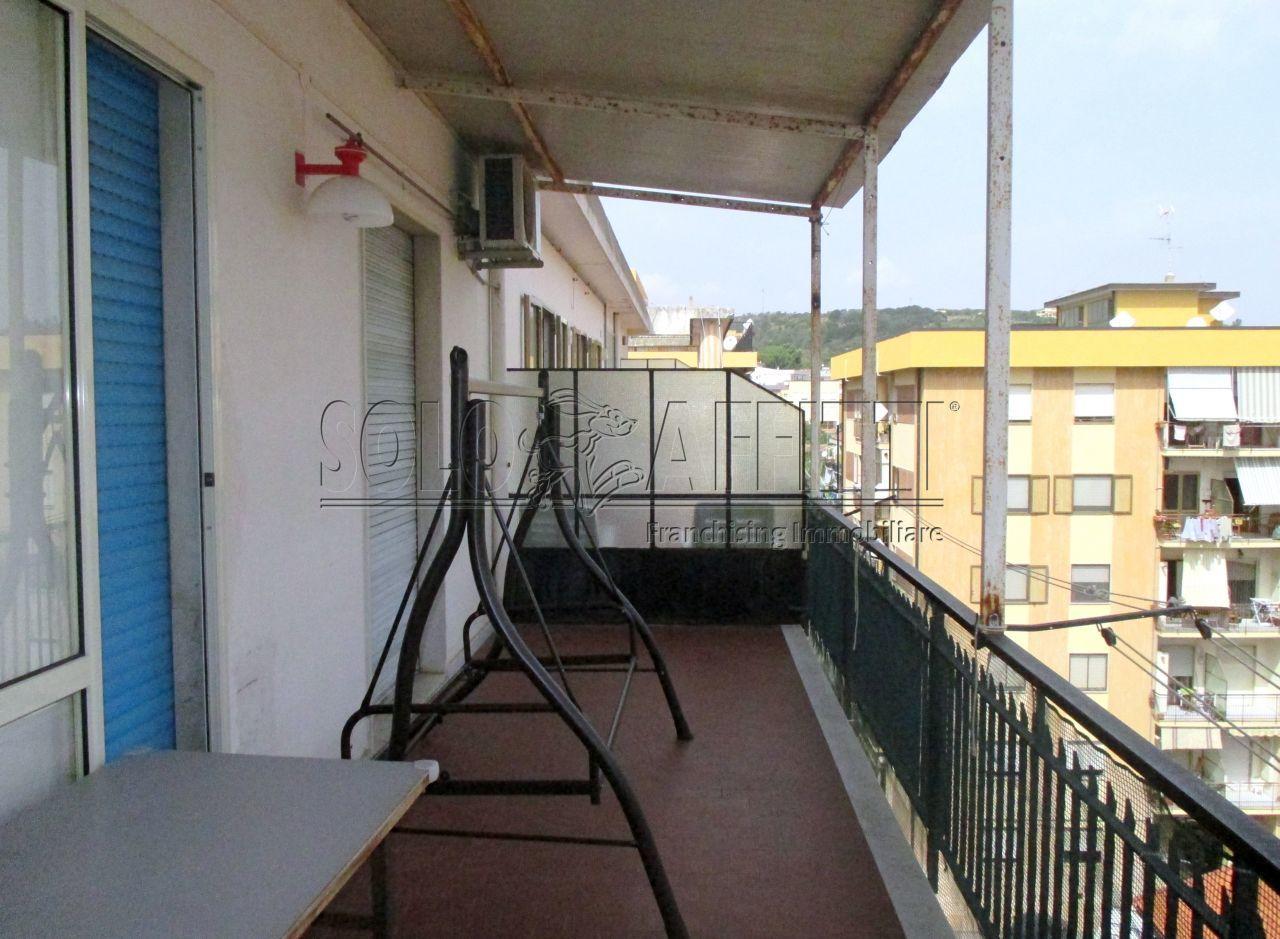 Trilocale in buone condizioni arredato in affitto Rif. 11117845