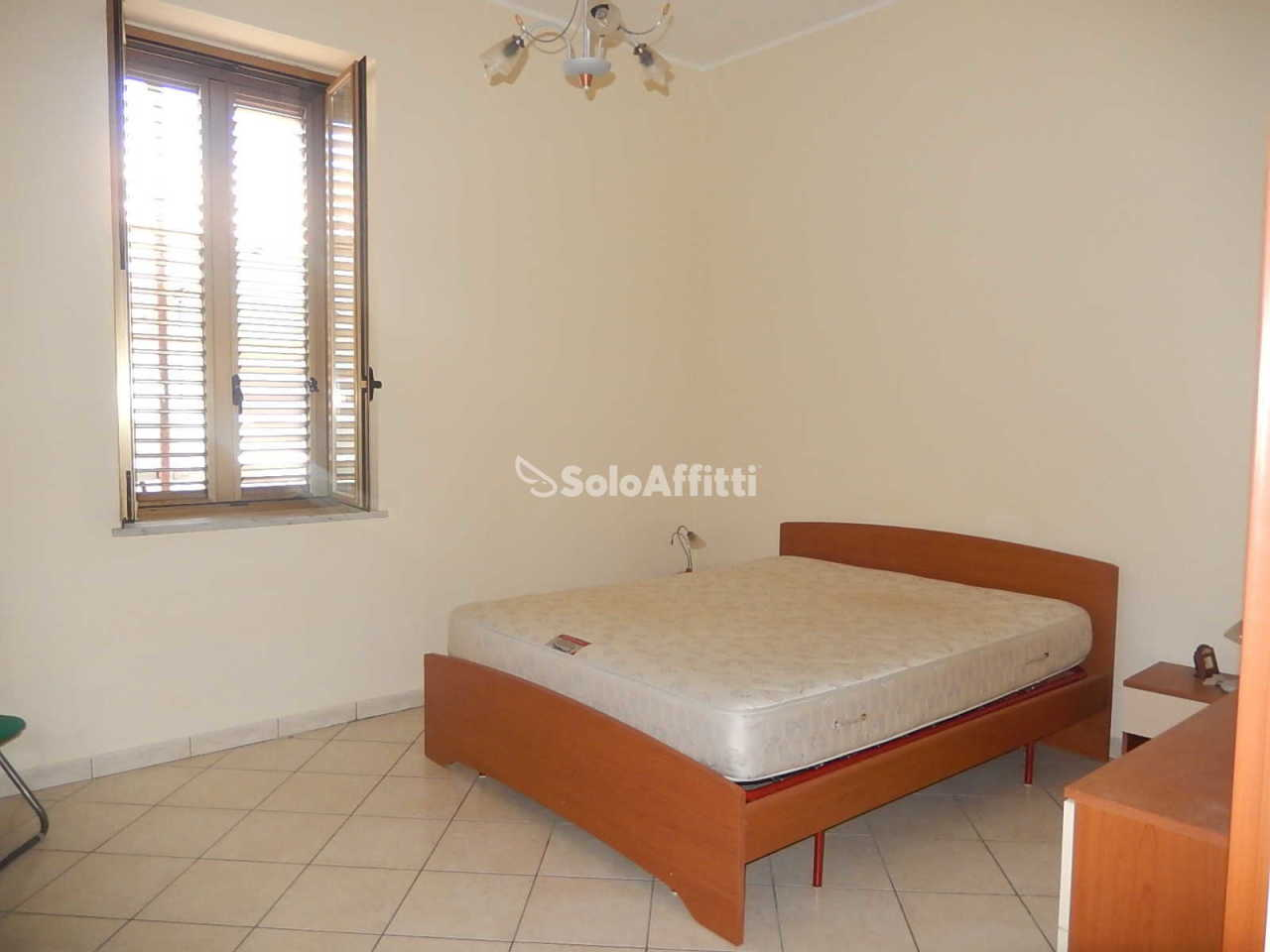 Bilocale in buone condizioni arredato in affitto Rif. 10176125