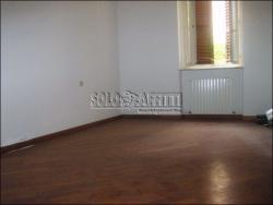 Ufficio in Affitto a Modena, zona Centro Storico, 1'300€, 120 m²