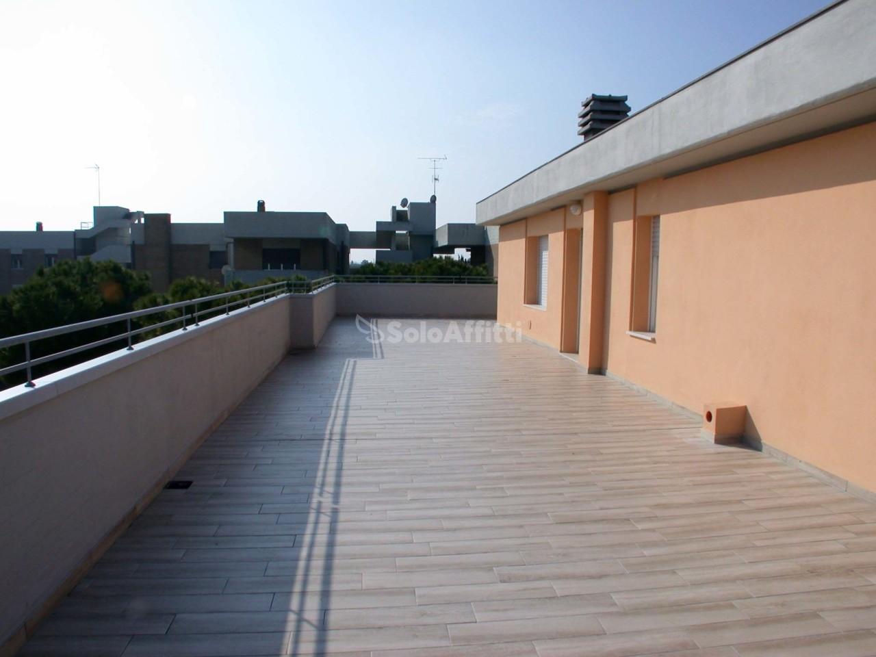 Attico / Mansarda in affitto Rif. 9534275