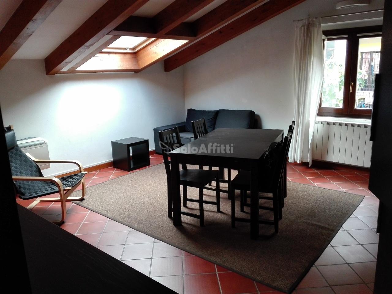 Attico / Mansarda in ottime condizioni arredato in affitto Rif. 11548975