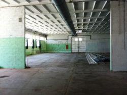Capannone in Affitto a Vercelli, zona Caresanablot, 1'600€, 1000 m²