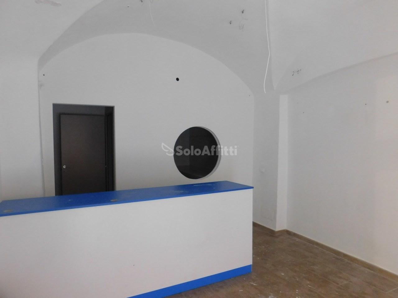 Negozio / Locale in affitto a Savona, 1 locali, prezzo € 950 | PortaleAgenzieImmobiliari.it