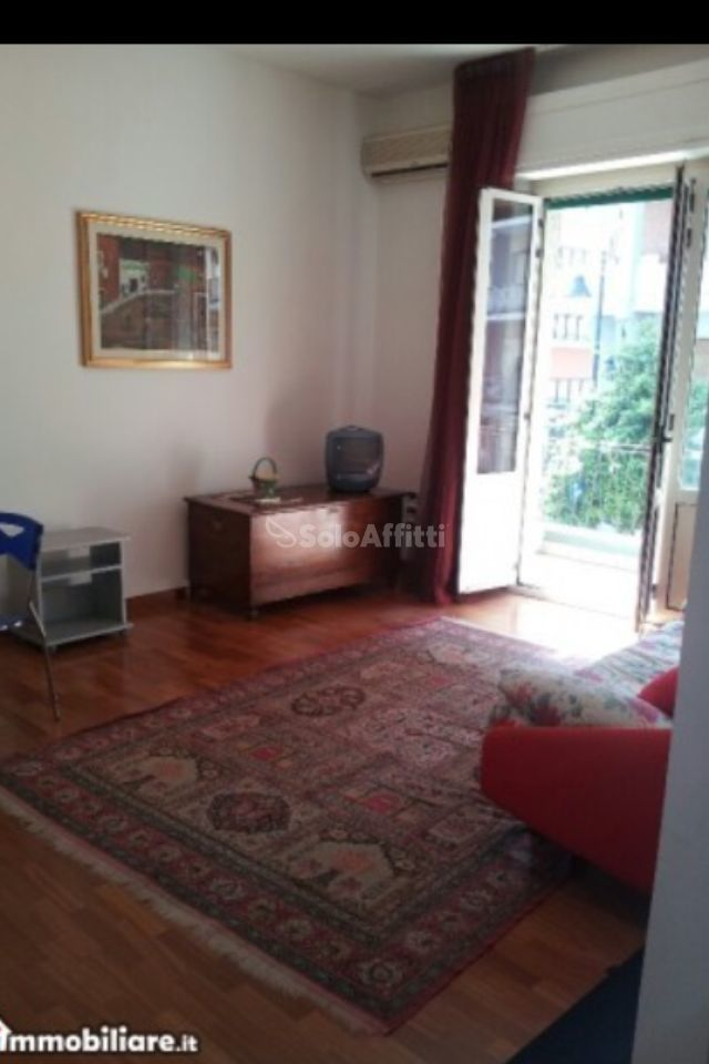 Bilocale in buone condizioni arredato in affitto Rif. 8729823