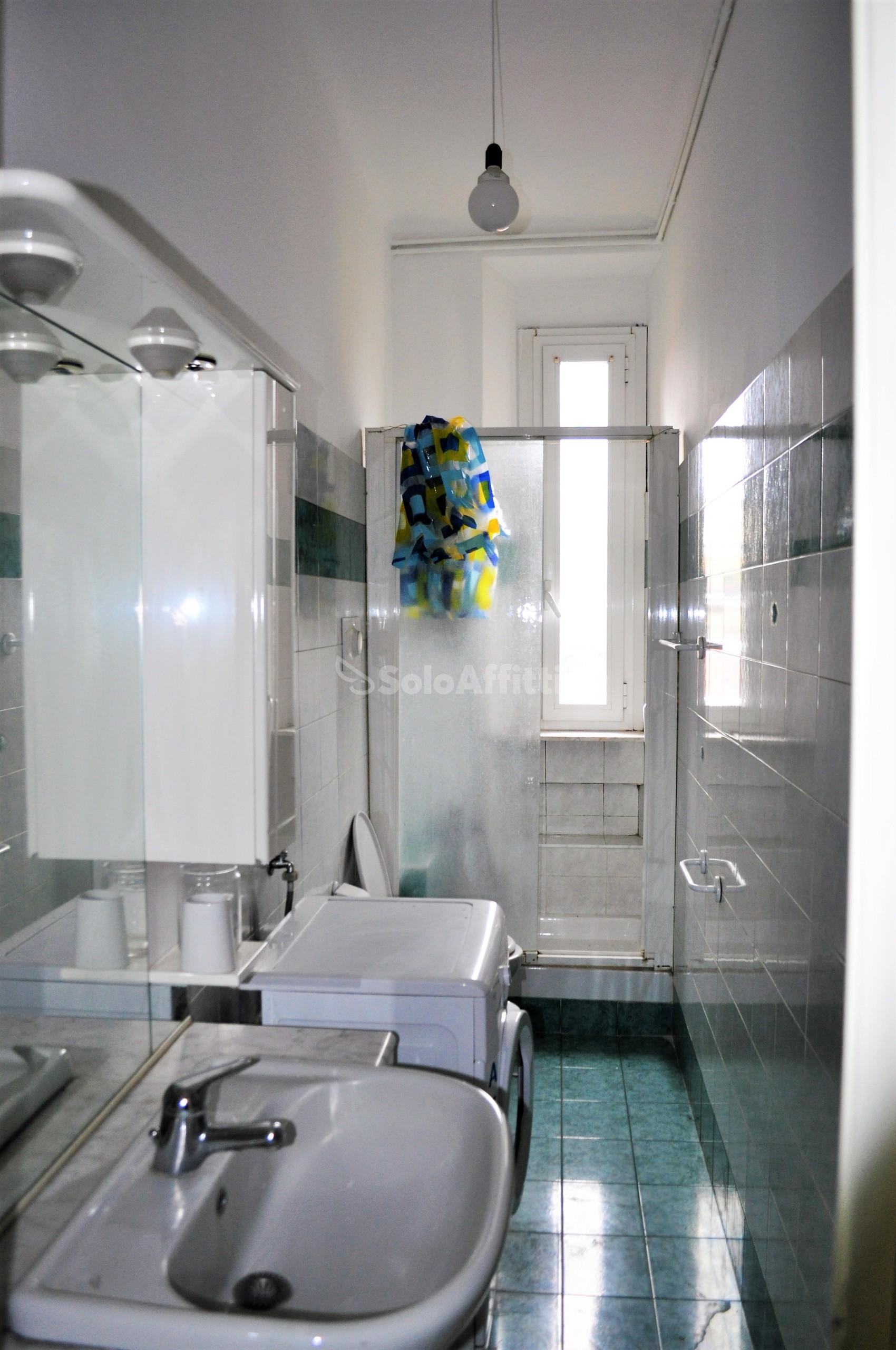 Affitto appartamento bilocale arredato 60 mq for Bilocale arredato milano
